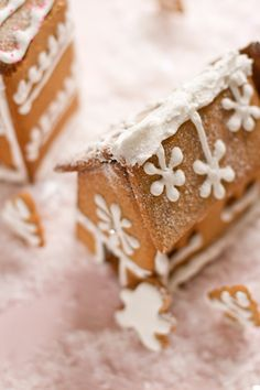 recipe for tiny Gingerbread houses CHRISTMAS