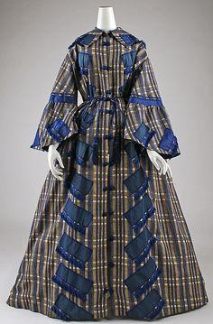 Civil war era fashion wrapper or morning dress