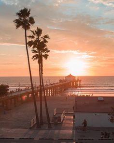 Manhattan Beach Pier, California by Debodoes Venice Beach, Manhattan Beach Pier, Image Nature, Beach Aesthetic, Summer Aesthetic, California Dreamin', California Closets, California Fashion, Beautiful Places To Travel