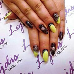 SPN UV LaQ 624 Sour Lemon, 503 Black Tulip & Black Devil Paint Gel. Nails by Alesia @lejdis_nailspa. #spn #spnnails #welovenails #uvlaq #uvgel #instanails #instamani #paintgel #paznokcie #paznokciehybrydowe #manix #mani #manicure #nails2inspire #nailspoland #nailswag #nailsmaster #nails4yummies #nailfashion #nailart #nailmania #naildesign #nails #zielonagóra