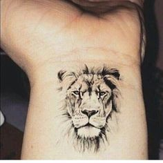 "13.8 mil Me gusta, 65 comentarios - TATTOOFET FOR INSPIRATION (@tattoofet) en Instagram: ""Amazing tinny lion  ✖✖✖✖✖✖✖✖✖✖✖✖✖ Follow ☛ @tattoofet  Also Follow ☛ @tattoozoan ☛…"""