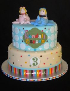 Vintage Airplane Cake For Twins :) Inspiration came from the inviation mom sent me! Airplane Birthday Cakes, Twin Birthday Cakes, Boy Birthday, Airplane Cakes, Vintage Airplane Party, Vintage Airplanes, Bubble Cake, Twins Cake, Cakes For Boys