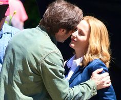 Mulder and Scully in 2015 Stella Gibbons, David And Gillian, Dana Scully, Gillian Anderson, Close My Eyes, Movies Showing, College Students, Looking Up, Science Fiction