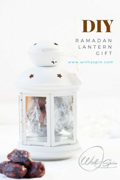 Easy Ramadan lantern gift for neighbors, coworkers, teachers. This DIY gift makes great hostess gift at iftar parties during Ramadan. Thoughtful Gifts For Him, Personalised Gifts For Him, Boyfriend Gift Basket, Boyfriend Gifts, Ramadan Gifts, Eid Gift, Ramadan Mubarak, Iftar Party, Ramadan Lantern