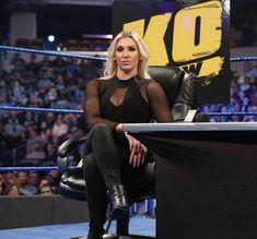 Charlotte Flair Wwe, Wwe Female Wrestlers, Wwe Stuff, Super Girls, Twitter Icon, Wrestling Divas, Wwe Womens, Professional Wrestling, Lynch