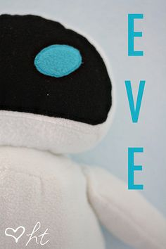 Eve (Eva) tutorial (from Wall-e) Plushie Patterns, Animal Sewing Patterns, Felt Patterns, Stuffed Animal Patterns, Stuffed Animals, Wall E, Sewing Tutorials, Sewing Crafts, Free Tutorials