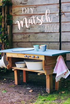 Step by step DIY instructions how to make a slush kitchen from a planter … - Crafts for Kids Diy For Kids, Crafts For Kids, Maker, Garden Gifts, Kid Spaces, Outdoor Furniture, Outdoor Decor, Garden Beds, Holidays And Events