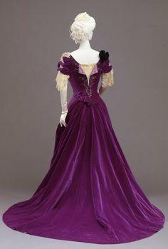 Worth evening dress ca. 1901 From the Galleria del Costume di Palazzo Pitti via Europeana Fashion
