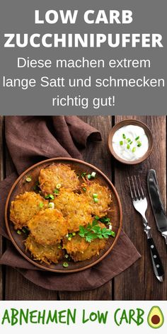 Low Carb Zucchinipuffer - Abnehmen Low Carb These are really healthy, tasty and crispy! Definitely d Zucchini Puffer, Anti Inflammatory Recipes, Evening Meals, Eating Plans, Keto Dinner, Lchf, Smoothie Recipes, Meal Planning, Curry