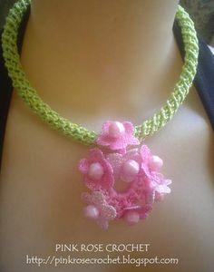 Pink Rose Crochet: Colar Flores em Rosa com Cordão de Crochê