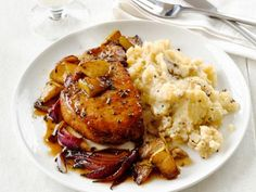 Healthy dinner: Pork Chops With Apples and Garlic Smashed Potatoes Recipe : Food Network Kitchen : Food Network Potato Recipes, Pork Recipes, Healthy Recipes, Healthy Meals, Easy Recipes, Healthy Soup, Delicious Recipes, Tasty, Healthy Pumpkin