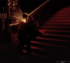 Reminds of Clarke Gable Carrying Vivien Leigh in 'Gone with the Wind' Princess Aesthetic, Couple Aesthetic, Aesthetic Gif, Aesthetic Pictures, Aesthetic Wallpapers, Vivien Leigh, Rhett Butler, Clark Gable, Tomorrow Is Another Day