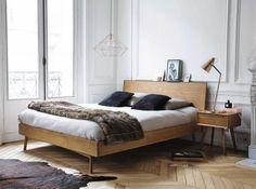 Betten aus Holz - Eiche, Esche, Buche oder Nussbaum   LIVING AT HOME