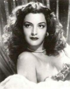 Elsa Aguirre (1930) Considerada como una de las divas de la Época de Oro del Cine Mexicano. Es hermana de la también actriz Alma Rosa Aguirre. Es una de las ultimas leyendas supervivientes del cine mexicano junto a Silvia Pinal y Sara Montiel.