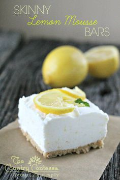 Skinny Lemon Mousse Bars - for when you want an indulgent dessert without feeling too guilty. These lemon bars are amazing. Low Calorie Desserts, Lemon Desserts, Lemon Recipes, Frozen Desserts, Just Desserts, Delicious Desserts, Yummy Food, Free Recipes, Dessert Crepes