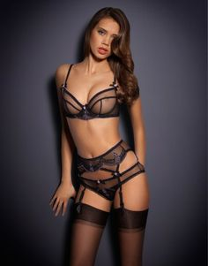 http://www.agentprovocateur.com/us-main-nav/gifts/wearable-sets/info/juniper-bra~black