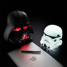 Star Wars Helmet Lamps http://geekxgirls.com/article.php?ID=2505