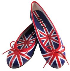 union jack flats - I would so wear these :D