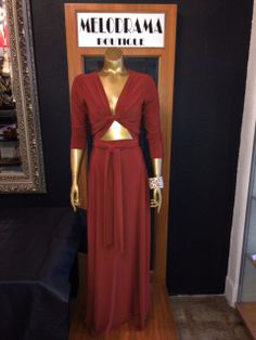 Infinity maxi dress tied with a keyhole front