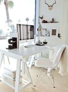 Like the desk Office Space - All White Desk + Beautiful | http://crazyofficedesignideas.blogspot.com