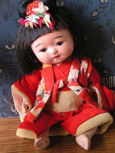 Japanese baby dolls are particularly cute! Child Doll, Girl Dolls, Baby Dolls, Antique Dolls, Vintage Dolls, Cute Japanese, Japanese Doll, Origami, Haunted Dolls