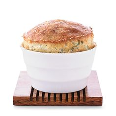 Spinach and Roquefort Soufflés Recipe - Grace Parisi Savory Souffle Recipe, Spinach Souffle, Cheese Souffle, Souffle Recipes, Creamed Spinach, Wine Recipes, Cooking Recipes, Spinach Recipes, Spinach Salads