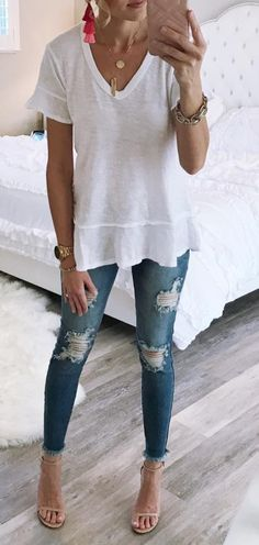 ruffled v-neck tee