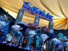 blue candy bar, like the cotton candy in martini glasses, could have little bags or boxes for filling and taking home