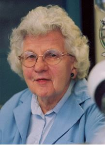 Ruth R. Benerito (1916 - 2013) ♦ American chemist and inventor known for her work related to the textile industry, notably including the development of wash-and-wear cotton fabrics. She held 55 patents.