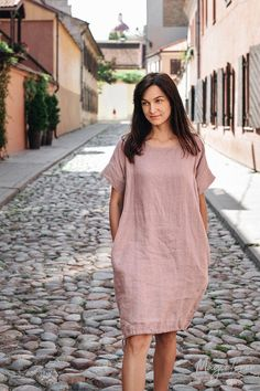 Buy Now Drawstring linen dress MAUI. Loose fit linen clothing for women in various colors. by MagicLinen. Linen Dresses, Casual Dresses, Fashion Dresses, Linen Summer Dresses, Dress Summer, Summer Outfit, Maui, Mode Plus, Summer Dresses For Women