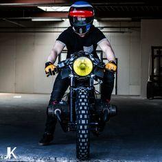 BMW by Ironwood Custom Motorcycles! Custom Cafe Racer, Bmw Cafe Racer, Cafe Racers, Honda 125, Bmw Boxer, R80, Custom Motorcycles, Motorbikes, Automobile