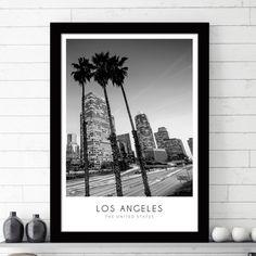 Ασπρόμαυρη φωτογραφία από το κέντρο του Λος Άντζελες σε ώρα αιχμής το ηλιοβασίλεμα, σε poster.  #cityposter #mapposter #LosAngelesposter #πόλητουΛοςΑντζελες #LosAngelesinblackandwhite