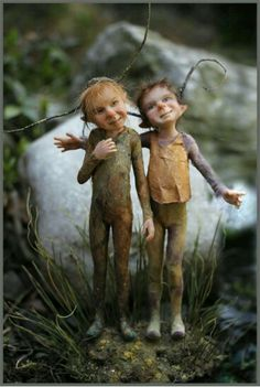 I dislike most of the images and ideas people have about what faeries look like. These two are pretty cute! Fairy Dust, Fairy Land, Woodland Creatures, Magical Creatures, Kobold, Elves And Fairies, Love Fairy, Fairy Dolls, Faeries