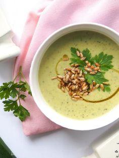 Zdjęcie: Zupa krem z cukinii z prażonym słonecznikiem