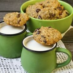 La Ricetta per i Biscotti di farro e uvetta, ottimi e ricchi di fibre, buoni e leggeri!
