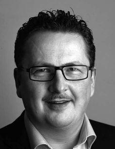 Jan B. Jensen (f. 1964) er journalist og indehaver af firmaet JJ Kommunikation Aps. Han har tidligere arbejdet for Ajour Pressebureau, Dagbladet, Ritzaus Bureau og Morgenavisen Jyllands-Posten. Jan B. Jensen har skrevet tre bøger om Kandis og Johnny Hansen: Stjerner på himlen (2013), Smerten bag smilet (2009) og Lev nu livet (2007).