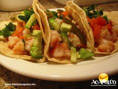 https://flic.kr/p/QNux8B | Descubre los tacos de camarones en Los Buzos de Acapulco. GASTRONOMÍA DE MÉXICO 3 | #gastronomiademexico Descubre los tacos de camarones en Los Buzos de Acapulco. GASTRONOMÍA DE MÉXICO. Los tacos son un platillo muy típico de México y los mejores de Acapulco son los de camarón, como los que sirven en el restaurante Los Buzos y donde te recomendamos comer durante tus próximas vacaciones. Obtén más información en la página oficial de Fidetur Acapulco.