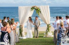 Blog - Cabo Weddings: Destination Weddings in Mexico. Photo by Ana & Jerome. Ceremony flowers by Natural Pina.