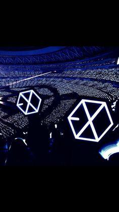 FAMS💙 Lightstick Exo, Exo Chen, Kpop Exo, Exo Kai, K Pop, L Wallpaper, Exo Lockscreen, Exo Concert, Exo Korean