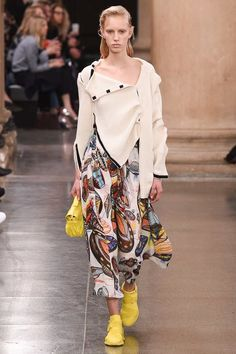 Christopher Kane Fall 2017 Ready-to-Wear Collection Photos - Vogue