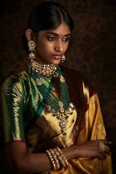 How To Be A Contemporary South Indian Bride! How To Be A Contemporary South Indian Bride! Indian Jewellery Online, Indian Jewellery Design, Indian Jewelry, Jewelry Design, Handmade Jewellery, South Indian Bride, Indian Bridal, South Indian Sarees, Saris