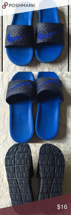 d313c39682d Men s Size 9 Nike Slides Blue Navy slides in excellent worn condition. Too  small