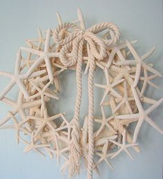 Coastal Cottage Chic: Starfish Wreath - I could put this in my beach files, too, but for now, it's filed under 'wreaths' - I just love this!