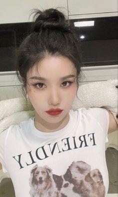 Kpop Girl Groups, Kpop Girls, T Shirts For Women, Fashion, Moda, Fashion Styles, Fashion Illustrations