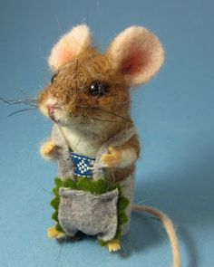 Felted mice. So freaking adorable!