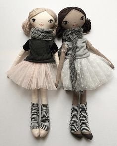 These besties are style'n their Tees & tutus. New to the Small Lola doll range - coco skin Lola can't wait to meet you! Lola wishes you a Happy Harmony Day! Doll Crafts, Diy Doll, Doll Toys, Baby Dolls, Doll Style, Fabric Toys, Sewing Dolls, Doll Maker, Waldorf Dolls