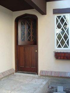 Dutch Door! I Want One Sooooo Bad!