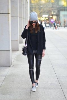 Black And Grey Winter Outfit  # #Vogue Haus #Winter Trends #Fashionistas #Best Of Winter Apparel