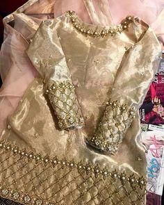 Simple Pakistani Dresses, Pakistani Dress Design, Indian Dresses, Indian Outfits, Pakistani Party Wear, Pakistani Wedding Outfits, Pakistani Bridal, Pakistani Mehndi, Party Wear Dresses