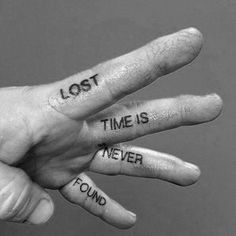 👐🔥 Easy Hand Tattoo Ideas That Don't Badass Hand Tattoos - Lost Time Is Never Found Quote Male Simple Hand Tattoo Ideas - Simple Hand Tattoos, Hand Tattoos For Guys, Tattoos For Women, Small Tattoos, Mini Tattoos, Tatoo Ideas For Guys, Body Art Tattoos, Cool Tattoos, Easy Tattoos